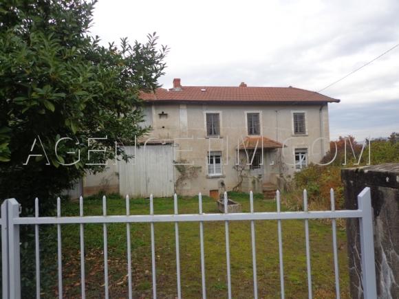 Charmante propriété dans un village proche de Cluny