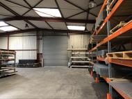 A LOUER - MACON SUD - Local industriel et de stockage.