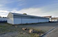 A LOUER - MACON SUD - Ateliers, stockage et bureaux avec commodités.