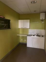A VENDRE - MACON CENTRE - Bureaux avec accès PMR.