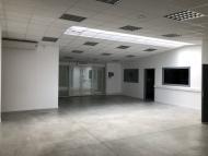 A LOUER -CHARNAY LES MACON CENTRE - Bureaux et atelier.