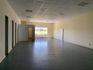 A VENDRE - LA MAISON BLANCHE - Ensemble de bureaux et ateliers de stockage.