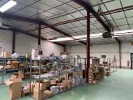 A LOUER - MACON SUD - Bureaux, ateliers et stockage.